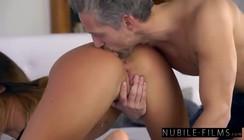 Portal porno da novinha maravilhosa dando para o coroa