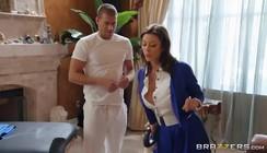 Video pornô do safado massageando a gostosa